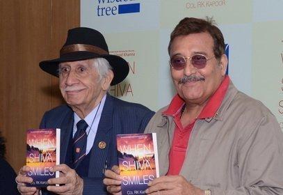 040 Col Raj Kapoor with Vinod Khanna
