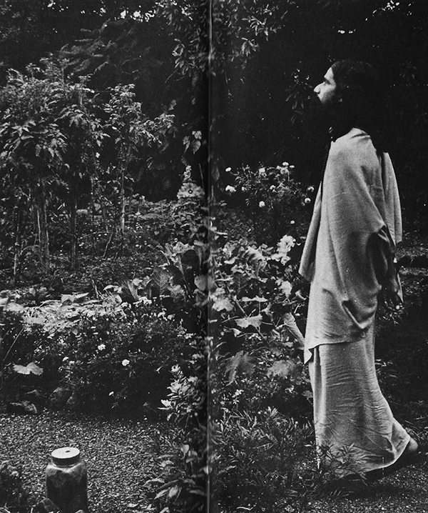 Chinmaya in the Pune ashram garden