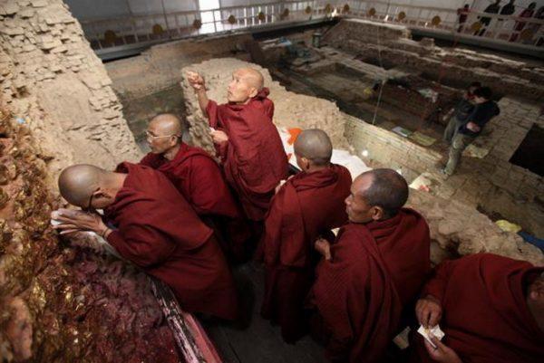 PIlgrims at Maya Devi Temple