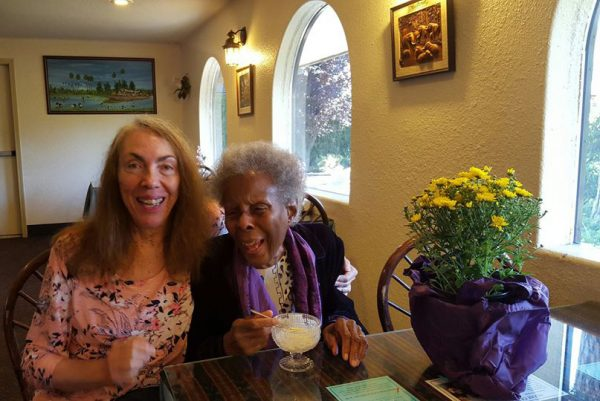 040 Happy-90th-birthday-Rabiya-cr-Nirvesha