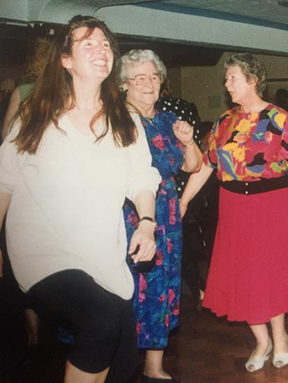 090 Simant-dancing