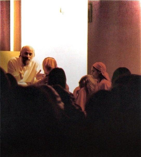 Osho in darshan