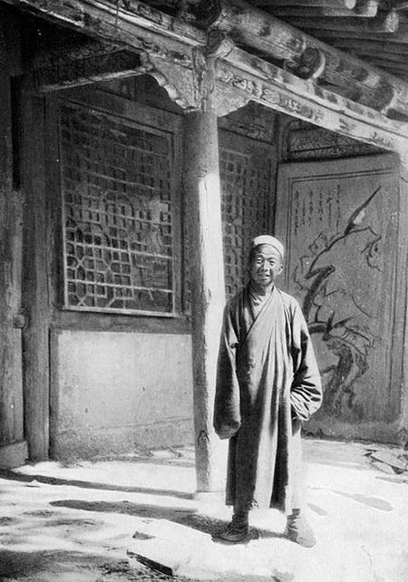 Wang Yuanlu in 1907