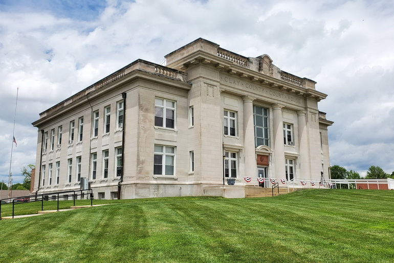 Clay_County_Courthouse_in_Louisville_