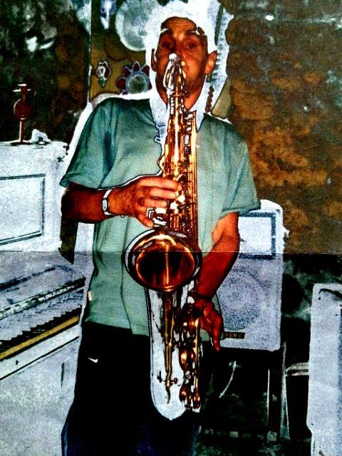 045 Rama playing sax