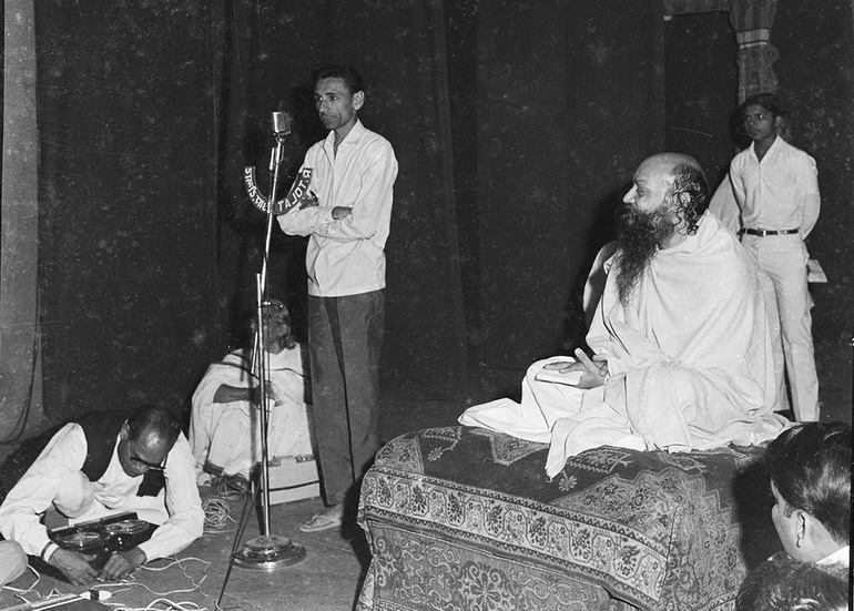 Osho at prize-giving event