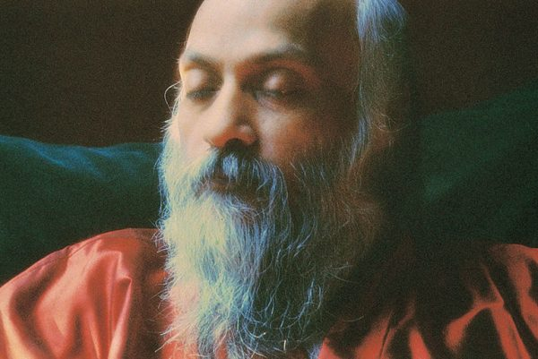 Osho in photo session, Pune 1