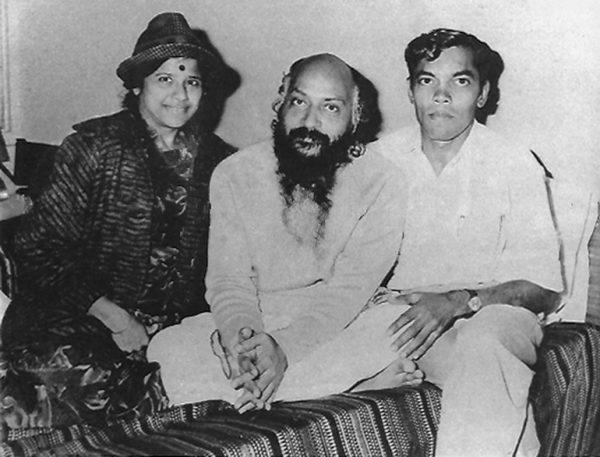 Osho with Gunaben and Ishverbhai
