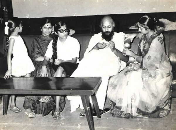 Osho at Ishverbhai's home with family