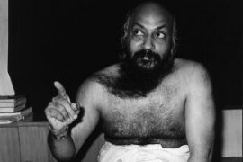 Osho teaching finger raised