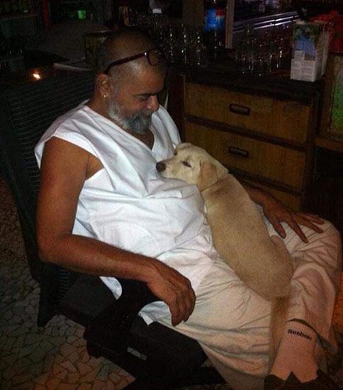 040 Akam-with-dog-2