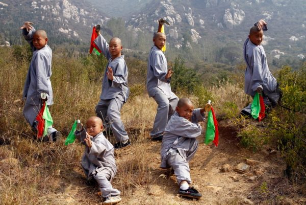 Children trainingChildren training kungfu