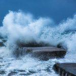 Crashing wave, photo by Petra Huber